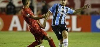 Independiente con 10 sacó empate de local ante Gremio