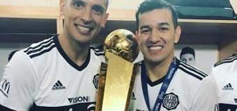 """Camacho: """"Mención especial para este señor (Roque) del fútbol paraguayo"""
