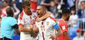 Kolarov batió a Navas para victoria serbia