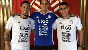 Con Gatito, Gustavo, Junior va completándose...